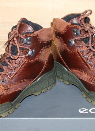 Ботинки ecco track 25 goretex. оригинал. размер 40.