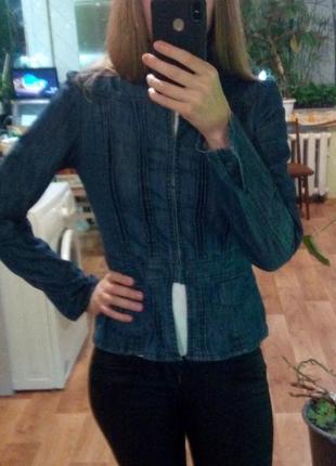 Джинсовый темно-синий пиджак жакет куртка топ от only с длинны...
