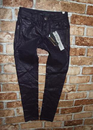Новые стрейч джинсы девочке 8 лет
