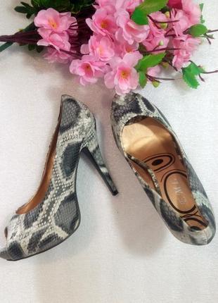 Крутые туфли лодочки на высоком каблуке открытый носок анимали...