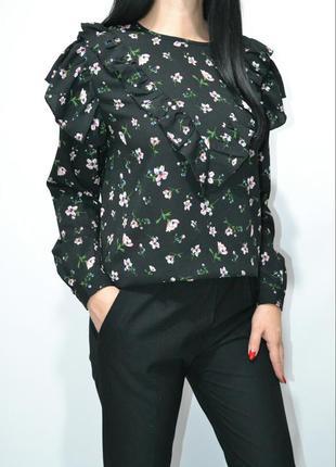 Блуза в цветочный принт с воланами  zara .