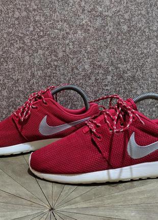 Жіночі кросівки nike roshe run