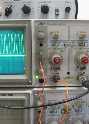 Осциллограф Tektronix 2213A 2-канала, 60-МГц.