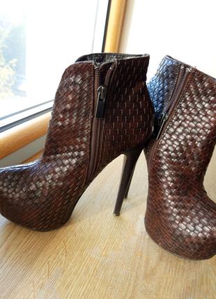 Ботинки модельные,размер 35