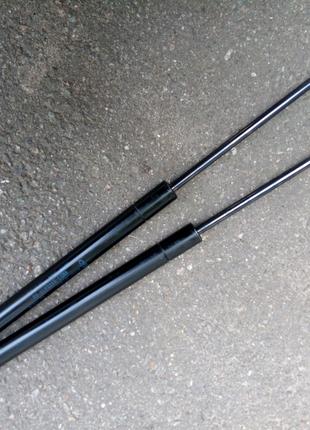 Амортизаторы багажника хечбек форд фокус 2