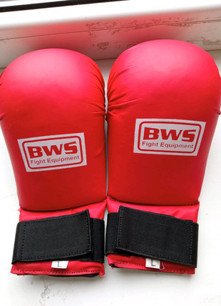 Перчатки для каратэ, для бокса тоже подходят