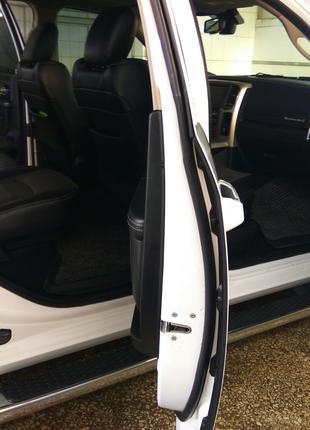 Упор Замка Двери Dodge Ram