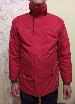 Куртка мужская ветровка. тонкая весна осень. Красная