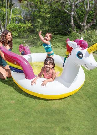 Детский надувной бассейн с фонтаном единорог