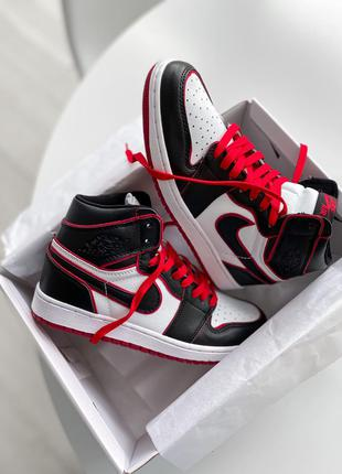 Кроссовки Nike Air Jordan 1 Retro High OG Bloodline
