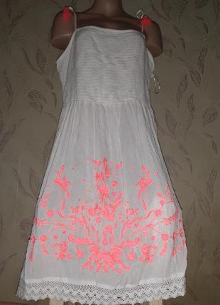 Белая пляжная туника платье с неоновой вышивкой юбка