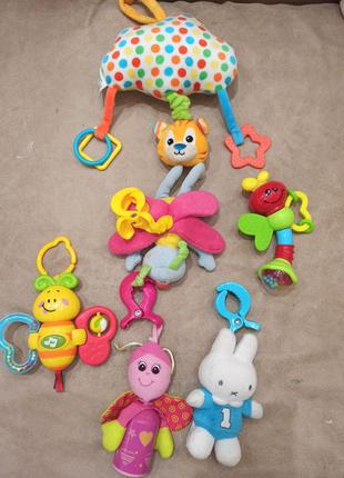 Лот игрушек для новорожденного