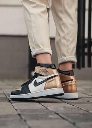 Кроссовки Nike Air Jordan 1 Retro Gold/Black