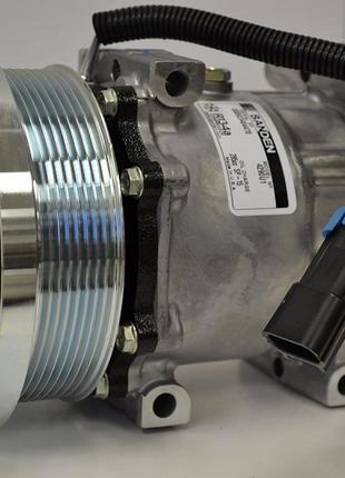 Компрессор кондиционера Claas Lexion 7H15 8PV (0007963460)