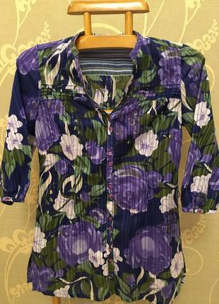 Очень красивая и стильная брендовая рубашка в цветах.
