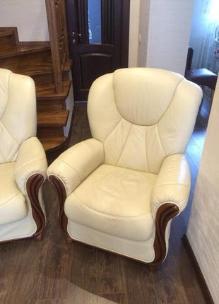 Шкіряне крісло з Бельгії