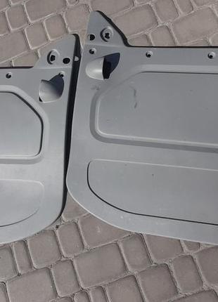 Карта левой двери Renault Trafic Opel Vivaro Nissan Primastar