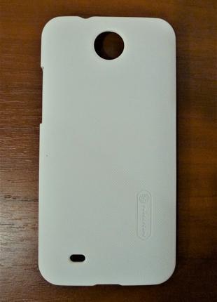 Чехол Nillkin для HTC Desire 300 белый 0077