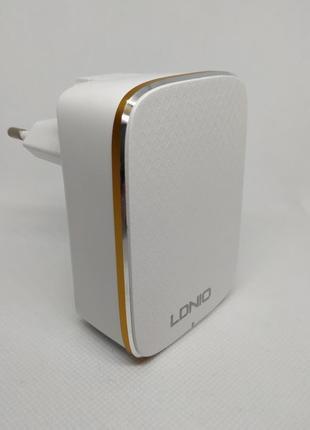Сетевое зарядное устройство LDNIO A4404 оснащено 4 usb портами.
