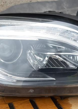 Mercedes-Benz W166 Фара A1668205559