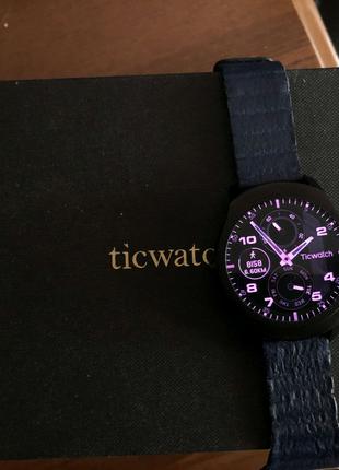 Смарт часы Ticwatch 2 Charcoal
