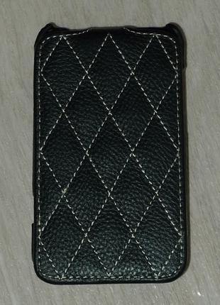 Чехол Vetti для HTC Desire 200 черный 0105