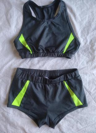 Костюм для фитнеса. шорты +майка. купальник