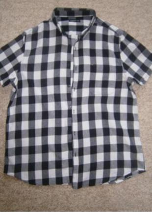 Мужская рубашка в черно- белую клетку