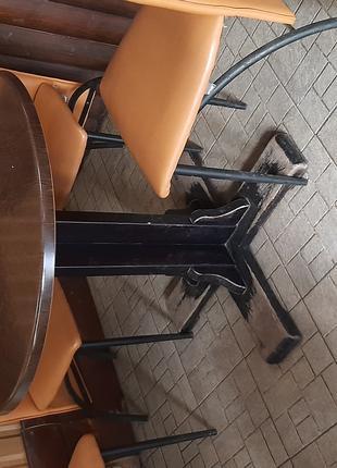 Столы и стулья для кофейни или пиццерии