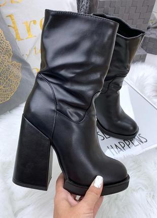 Зимние кожаные ботинки ботильоны на широком высоком каблуке