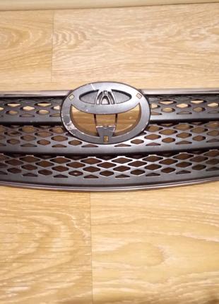 Решетка радиатора Toyota camry 30 камри 2002-2003-2004 год