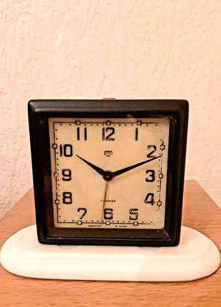 Механические часы-будильник 2 МЧЗ винтаж СССР  1957 г.в.
