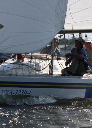 Парусно гоночная яхта Поларис СТ 25