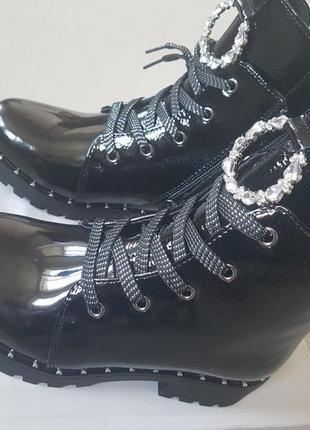 Лаковые утепленные деми ботинки сказка на флисе с супинатором