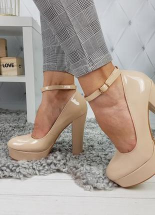 Уценка туфли лаковые бежевые, туфли на устойчивом каблуке, туф...