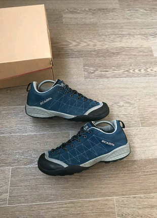 Scarpa waterproof wibram кожаные кроссовки 35р