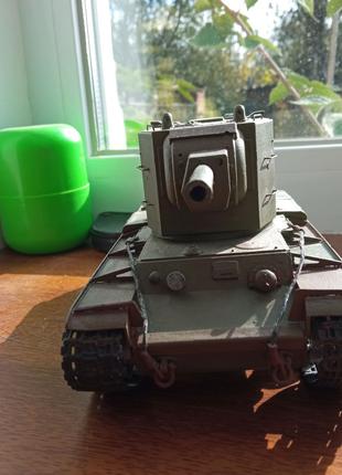 Продам заборную модель КВ-2 хорошо покрашен