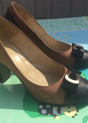 Кожаные туфли 40р