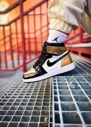 "Кроссовки Nike Air Jordan 1 Mid ""Black Metallic Gold"""