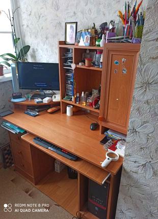 Срочно продам компьютерный,офисный стол на Сландо, олх