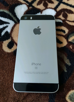 iPhone SE 32 GB б/у