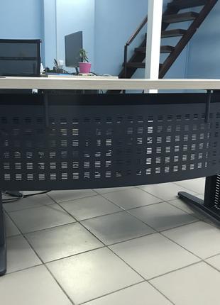 Офисные столы (8шт), цена за шт
