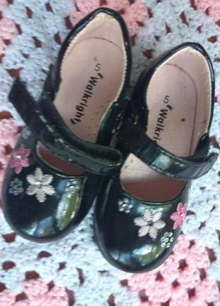 Красивые туфли на девочку 14 см по стельке warlkright