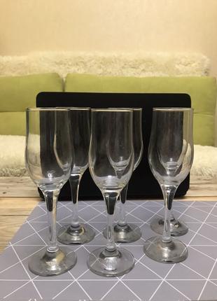 Бокалы шампанское, вино