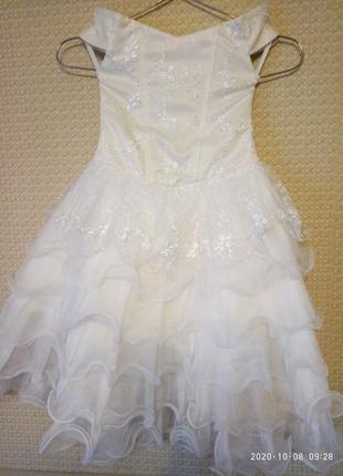 Нарядное платье для девочки 110-116