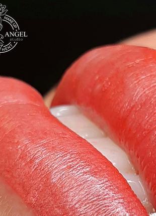 Перманентный макияж губ в Киеве, татуаж губ услуги и обучение