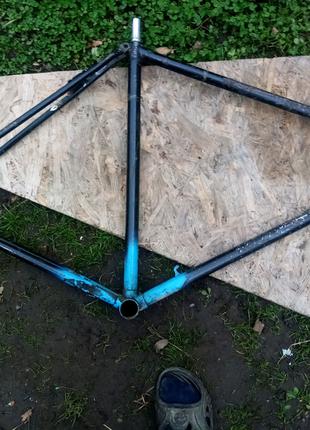 Продаю раму для велосипеда СССР в хорошем состоянии