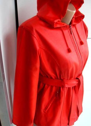 Практичная женская куртка jelfs от дождя и ветра демисезонная S/M
