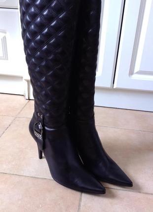 Сапоги кожаные на каблуках новые в коробке