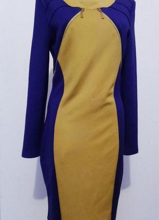 Платье-футляр с длинным рукавом новое